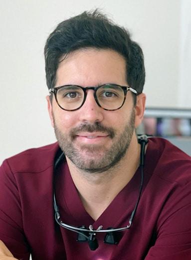 Dr Ernest Lucas-Taulé Implantologist